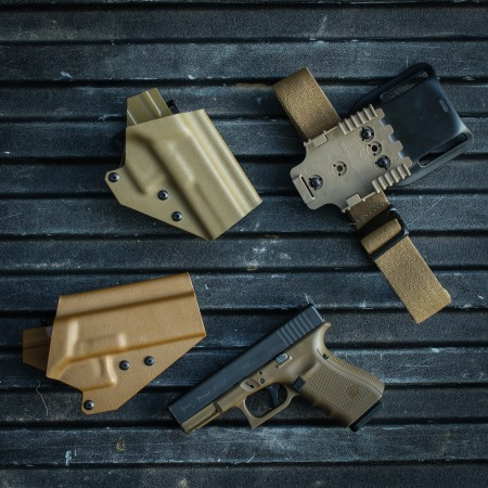 Wolverine Brown and Coyote Ragnaroks. Earth matches the Glock FDE very nicely